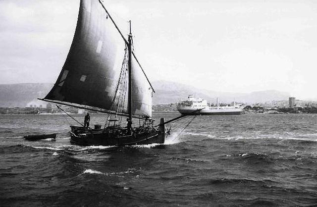 Sailboat Dinka built in 1853